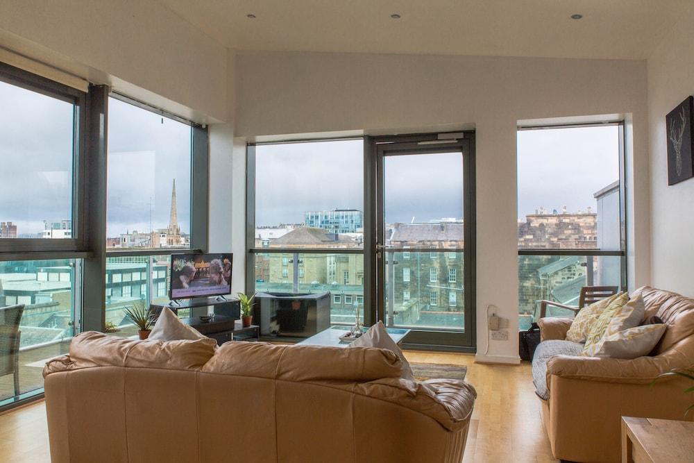 Local Stayz - Bothwell Apartment (Glasgow) – 2020 Hotel
