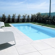 Villa With Pool on Torreira Beach, Located Next to the ria