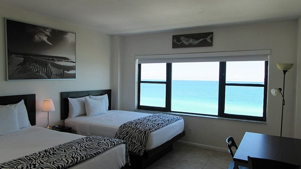 Room, Casablanca Miami Beach