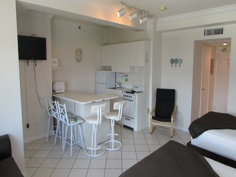 Private Kitchenette, Casablanca Miami Beach