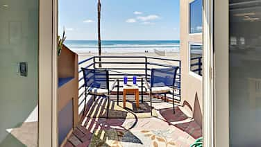 3br Boardwalk Beauty W/ Patio, Balcony & Epic View 3 Bedroom Home