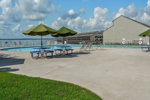 Check Expedia for Availability of Resort Attractions