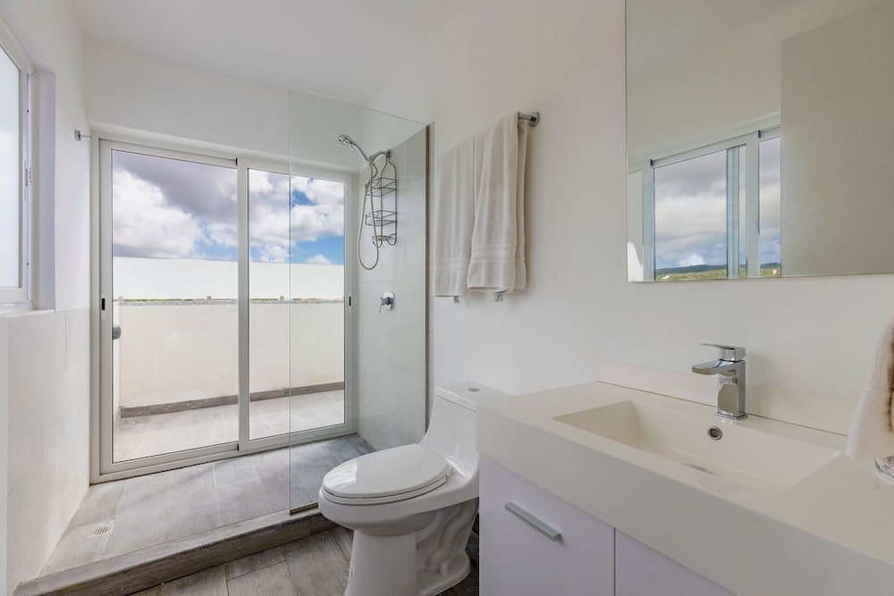 Bathroom, 7 Bed/6 Bath Beachfront Villa With Infinity Pool Overlooking The Caribbean