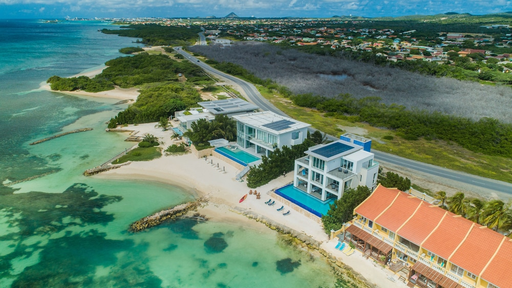 , 7 Bed/6 Bath Beachfront Villa With Infinity Pool Overlooking The Caribbean