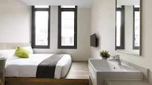 1 bedroom, premium bedding, down duvet, blackout curtains