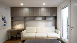 保险箱、熨斗/熨衣板、折叠床/加床(额外收费)、免费 WiFi