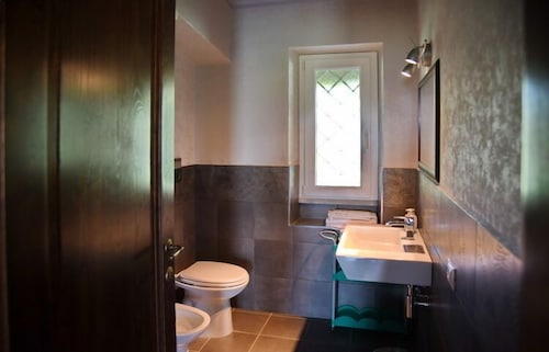 Bathroom, Vigna Di Valle