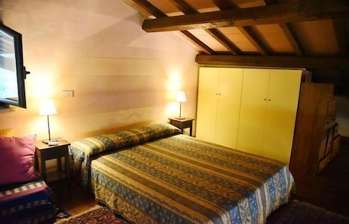 Room, Vigna Di Valle