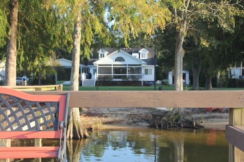 Relax by Lake Marion - A Lake Home With you in Mind