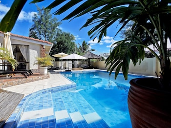 Villa With 5 Bedrooms in Machabee, With Pool Access, Enclosed Garden and Wifi - 400 m From the Beach
