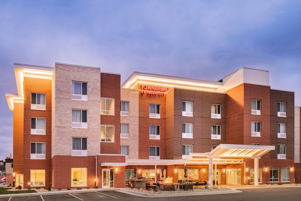 Exterior, TownePlace Suites by Marriott Dubuque Downtown