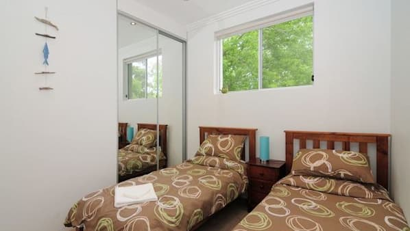 3 bedrooms, travel cot, free WiFi, bed sheets
