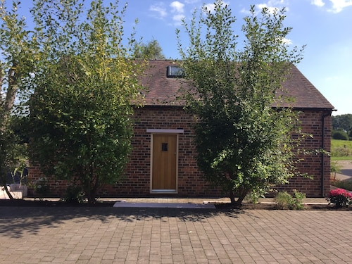The Stables Fully Loaded Converted Barn Dog/horse Sleeps 8-12/ 4 Beds /sofa/zbed