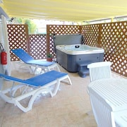 Self-catering Lecres St Ange Elie With Spa