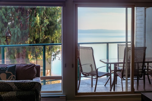 Oceanfront With Stunning Views~inn of the Sea~oceanside Pool & Hot Tub