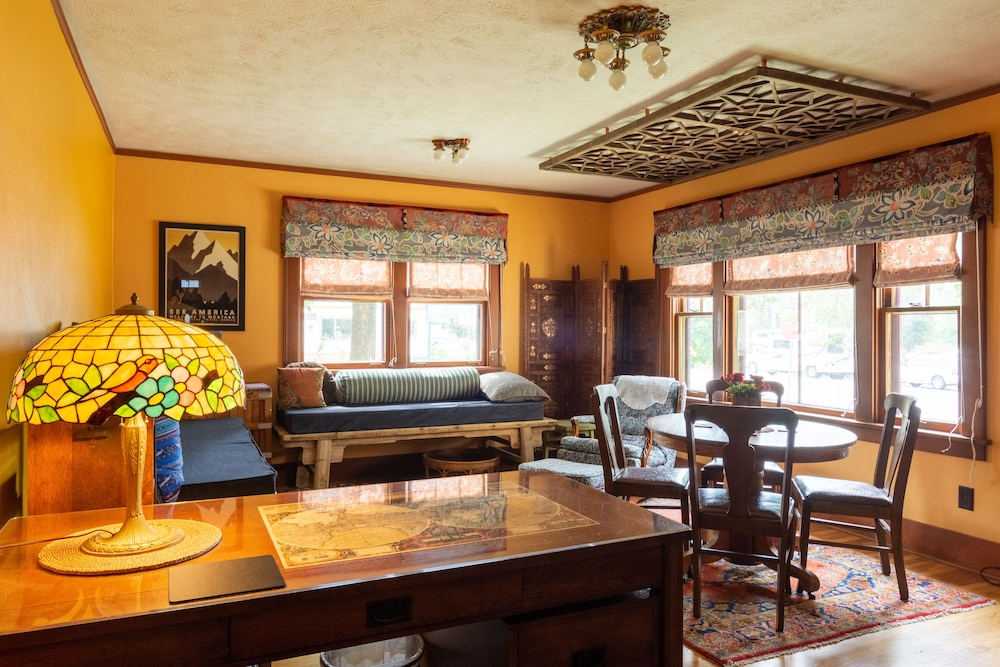 Downtown Retreat in Restored Historic Cottage With Off ...