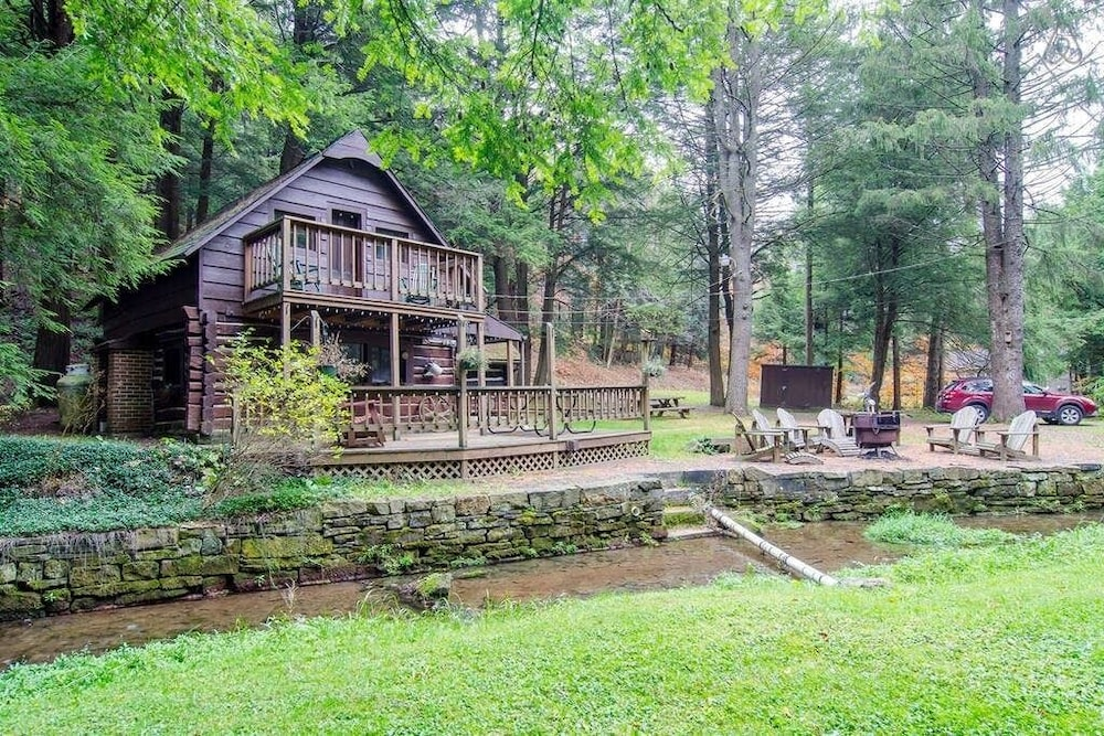 Property Grounds, Stream Side Log Cabin Perfect for Cherry Springs