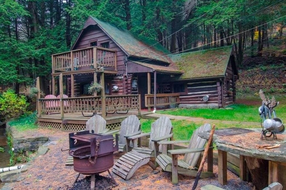 , Stream Side Log Cabin Perfect for Cherry Springs