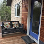 Wildwood Cottage, Duluth, North Shore Private Wooded Retreat