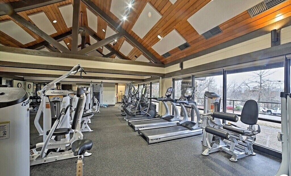 Fitness Facility, Caddyshack~ Newly Remodeled Townhome Yards From Back 40 Bike Trails