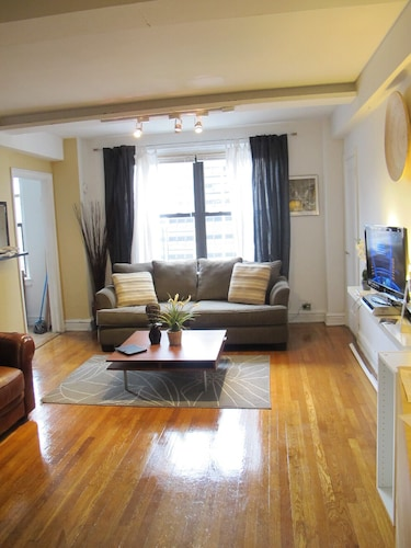 Best Deal!! Cozy and Lovely Furnished Midtown Flat