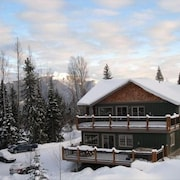 Ski in Ski Out Condo Directly on Kicking Horse Mountain Resort