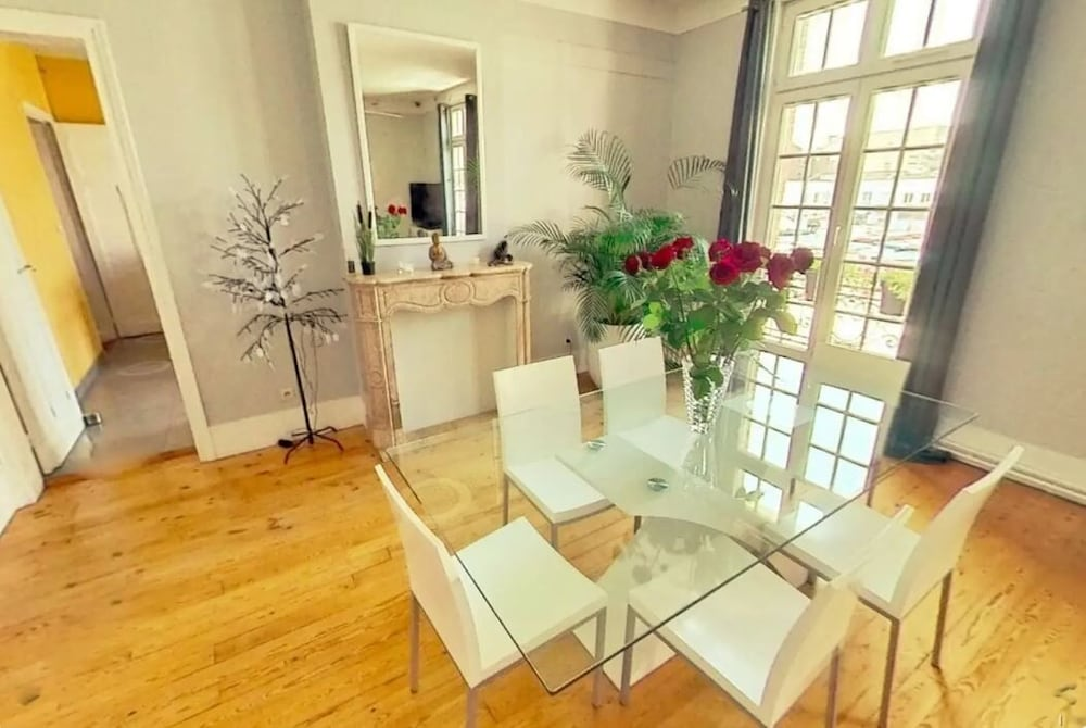 , Entire Apartment 100 M 2 at the Foot of the Belfry of Arras - Hyper Center