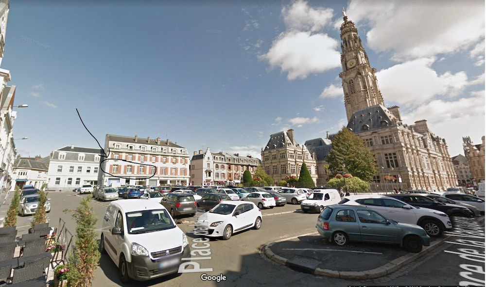 Parking, Entire Apartment 100 M 2 at the Foot of the Belfry of Arras - Hyper Center