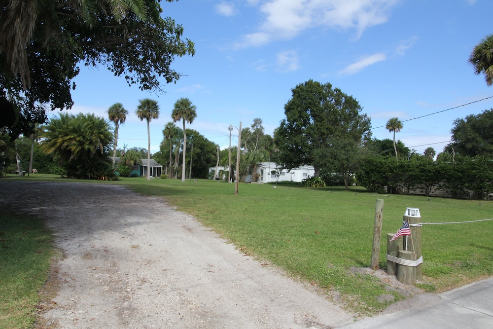 Property Grounds, Fishing Cottage With 250 ft Dock and Boat Slip 2 Miles to the Atlantic Ocean