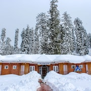 PINE VIEW RESORT - GULMARG