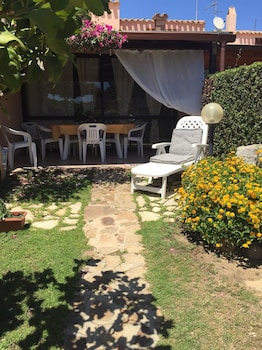 House With one Bedroom in Villasimius, With Furnished Terrace - 300 m From the Beach