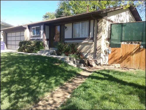 Great Place to stay 3br, 2bath House, Wood Fireplace, on Beautiful Creek/path, Grill, Yard, 420 ok near Denver