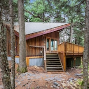 NEW Listing! Peaceful Girdwood Retreat With Large Deck and Private hot Tub!