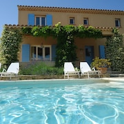 Villa Near Saumane-de-vaucluse With Private Swimming Pool and Lovely Garden