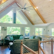Waker's Paradise: Brand New Lakefront,9br/8.5ba, Private Dock,hot Tub,sleeps 32