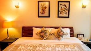 1 bedroom, in-room safe, individually furnished, desk