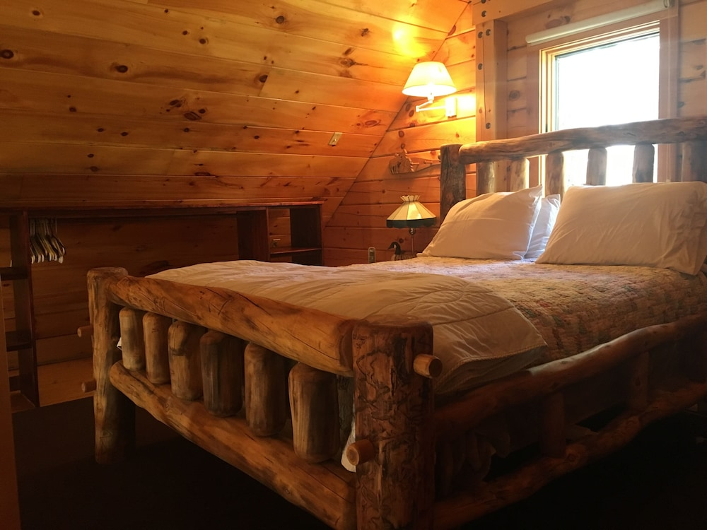 Featured Image, Black Bear Cabin near Middlebury, Vermont