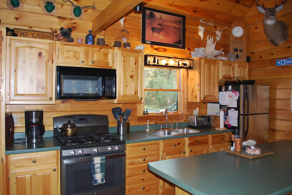 Private Kitchen, Black Bear Cabin near Middlebury, Vermont