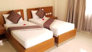 Premium bedding, in-room safe, individually decorated, soundproofing