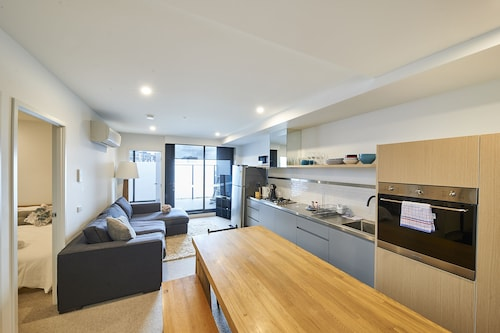 Modern Living Meets Cultural Hub- 2 Bed Richmond