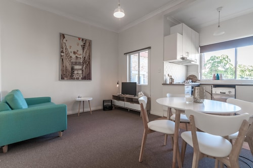 Coogee Beach 2 Bedroom - Destination Relaxation