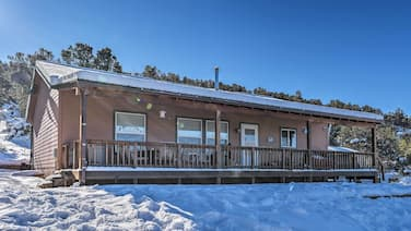 Cozy Ski Cabin w/ Deck Near Taos Ski Valley!