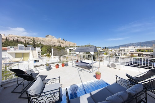 Hotels Near Acropolis Your Home Under The Sleeps 9