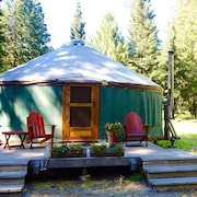 Glamp in our Beautiful North Idaho Yurt