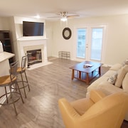 Newly Renovated Ground Floor Condo! Close to Mayo, Beaches, Town Center.