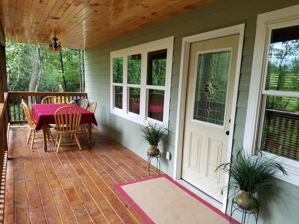 Balcony, Private Forest Retreat: No Cleaning Fees!