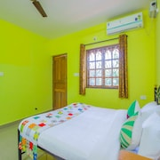 OYO 14484 Home 2BHK With Balcony Utorda Beach