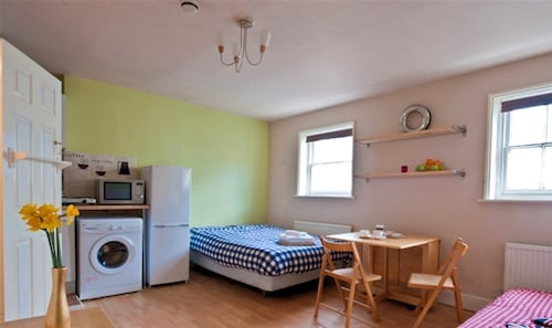 Splendid 2 Bedroom House in London