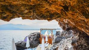 Free beach cabanas, beach shuttle, sun loungers, beach umbrellas