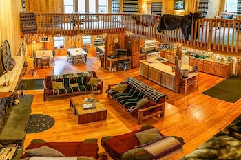 Sun Mountain Ranch Bunkhouse - Near Crater Lake, Fort ... on ranch duplex designs, ranch house designs, ranch pool designs, ranch kitchen designs, ranch bungalow designs, ranch office designs,